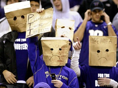 washington-huskies-fans(2)