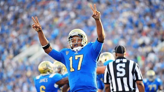 "Even UCLA QB Brett Hundley wants his rival Trojans to ""Fight On"" against Notre Dame"