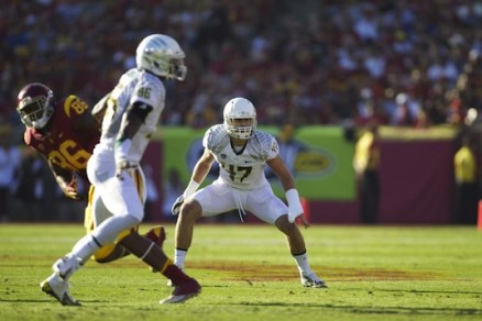 Kiko Alonso starred at Oregon, and will hope to replicate that under his former coach.