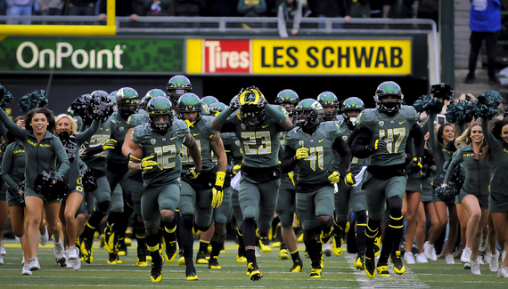 At Autzen Stadium the Oregon Ducks meet the UCLA Brunis in Pac-12 Football.