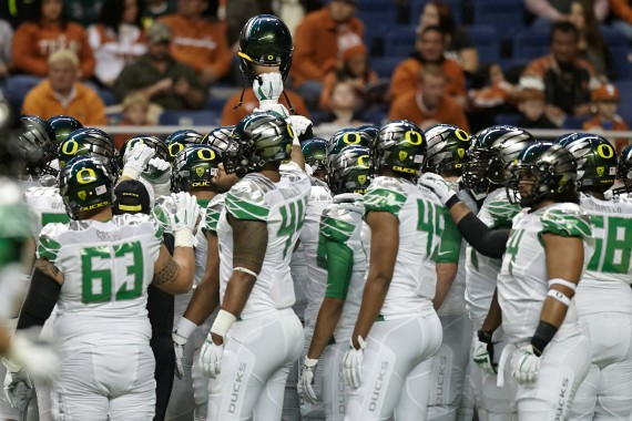 Oregon Ducks versus Texas Longhorns in the 2013 Alamo Bowl