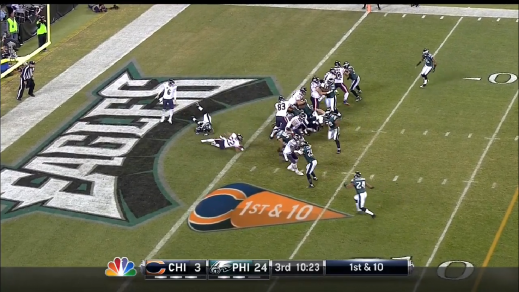 Thornton tackles Matt Forte in the end-zone