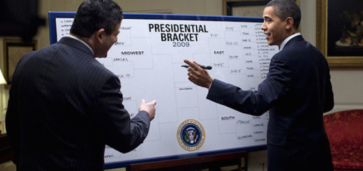 Barack_Obama_fills_out_2009_NCAA_Men's_Div_I_Tournament_bracket_3-17-09-1
