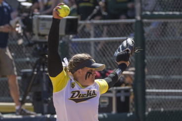Oregons Glasco earned her seventh win and added a two-run home run in the Ducks victory over Cal.