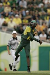 Dennis Dixon launching  a pass downfield back in 2004