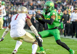 Darren Carrington working in space against Florida State.