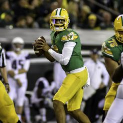 2015 will be the first year Marcus Mariota isn't running the offense under Mark Helfrich