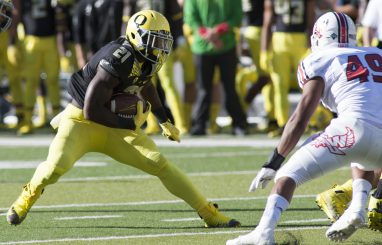 Royce Freeman dazzled his way to 180 rushing yards and 3 touchdowns.