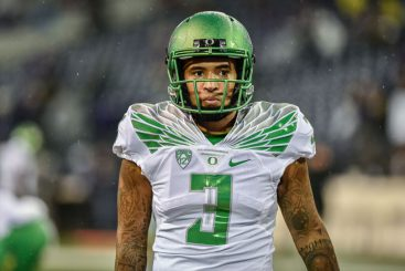 Oregon's offense improved with the return on Vernon Adams.